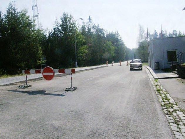 Na hraničním přechodu v Halámkách se za nedlouho se bude jezdit obousměrně v místech, kde stál přístřešek celnice.
