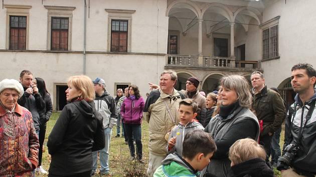 Zámek v Nové Bystřici se na jeden den otevřel veřejnosti.