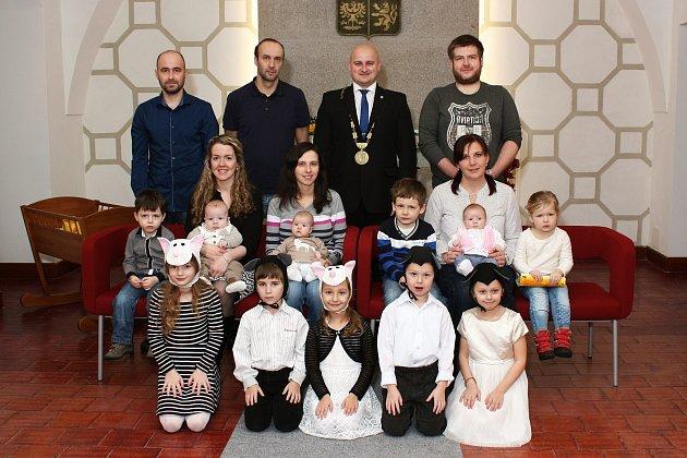 Mezi nové dačické děti patří Matouš Krejča, Viktorie Koukalová a Tina Barnová.