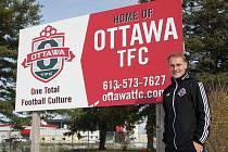 Fotbalový trenér Michal Krtek momentálně netrpělivě vyhlíží návrat do Kanady, kde trénuje žákovské kategorie v klubu Ottawa TFC.