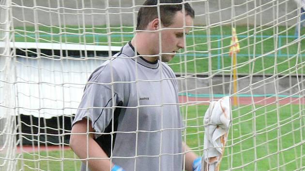 Gólman Českých Velenic Pavel Candra si během duelu v Nové Včelnici na své konto připsal množství skvělých zákroků, ale svůj tým nakonec od porážky stejně neuchránil.
