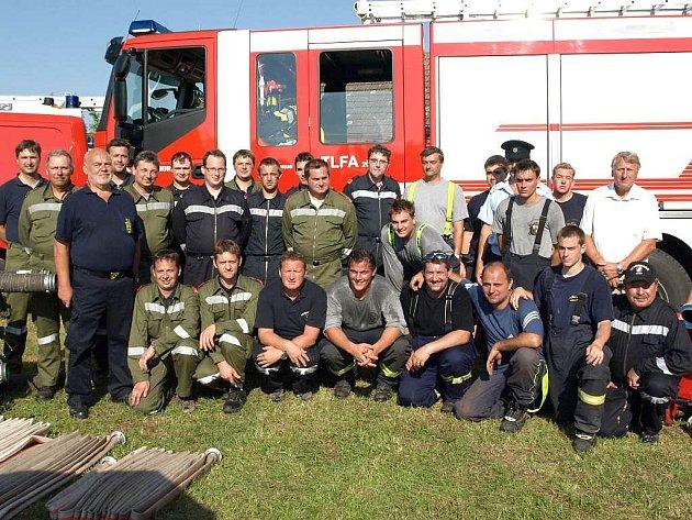 Ze života suchdolských hasičů.
