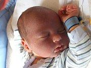 Ondřej Mikeš se narodil 15. května Haně Holoubkové a Milanu Mikešovi z Bednárce. Měřil 53 centimetrů a vážil 3770 gramů.