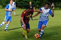 Fotbalisté Studené (v modrých dresech) doma v 2. kole I. B třídy porazili Novou Bystřici 4:3.
