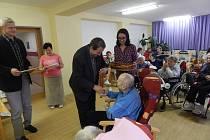 V Domově seniorů v Otíně klienti soutěžili v Senior hrách.