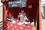 V Dačicích se v sobotu konal farmářský trh v rouškách.