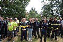 SBOR dobrovolných hasičů z Jindřichova Hradce uspořádal na počest 145 výročí založení sboru v sobotu v Dolním Skrýchově soutěž v požárním útoku.