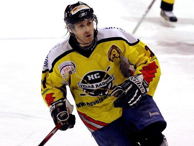 Hokejisté velké Radouně budou i nadcházejícím ročníku KP spoléhat na výkony zkušeného útočníka Zdeňka Picky.