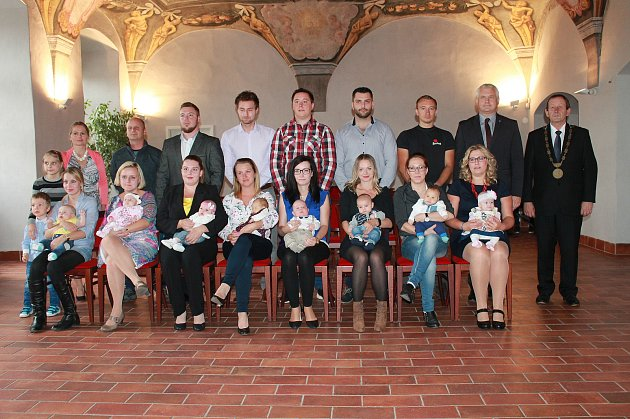 VJindřichově Hradci se konalo vítání nově narozených dětí.