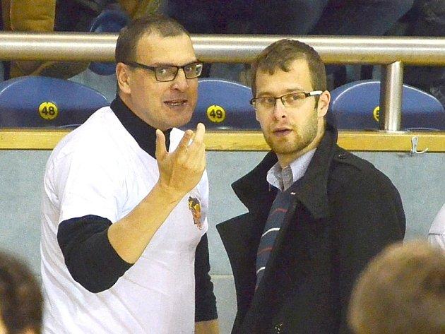 Předseda BK Lions Libor Žižka (vlevo) a sportovní ředitel jindřichohradeckého klubu Radim Valcha.