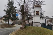 Ulice K Potůčku v Jindřichově Hradci - v Radouňce na Kopečku je nyní jednosměrná a obyvatelům se to nelíbí.