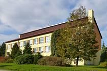 Nová budova základní školy ve Studené.