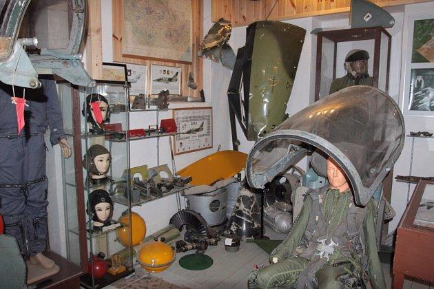 S velkým zájmem se setkala noční komentovaná prohlídka Leteckého muzea v Deštné. Dobrovolné vstupné bude použito na renovaci repliky stíhacího letounu Spitfire.