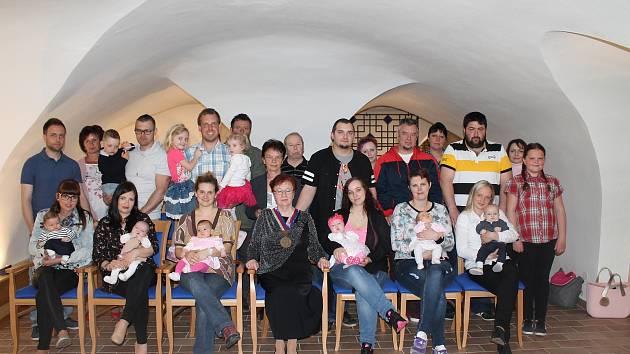 V Nové Bystřici přivítali nejmladší občánky.