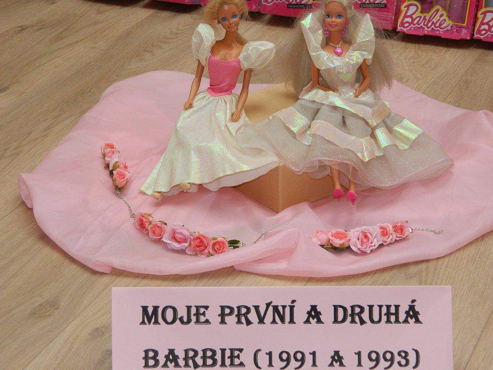 Z výstavy k výročí světoznámé panenky Barbie.