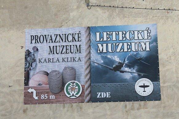 Dvě muzea v Deštné.