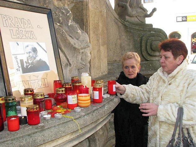 Hradečáci uctili památku Václava Havla.