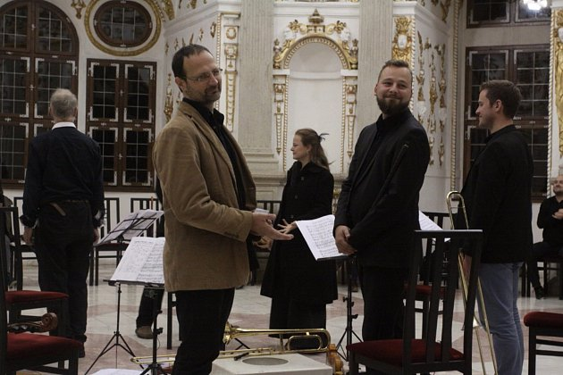 Koncerty v kostele Nanebevzetí Panny Marie a v zámeckém rondelu byly v Jindřichově Hradci zahájeny 23. Slavnosti Adama Michny z Otradovic, jednoho z nejvýznamnějších českých skladatelů a básníků 17. století. Pokračovat budou po celý víkend.