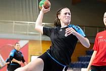 Eliška Kovářová zaznamenala proti Plzni 7 gólů a byla tak nejlepší střelkyní jindřichohradeckých házenkářek.