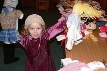Vloni představili organizátoři vyrobené panenky v aule fakulty managementu v Jindřichově Hradci.