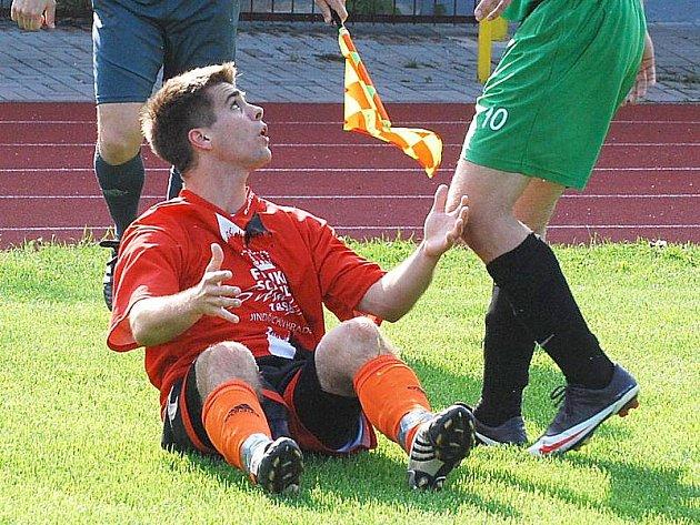 V KP prohráli fotbalisté J. Hradce doma s béčkem S. Ústí 1:2, když se o jejich jedinou trefu postaral Marek Šenkýř z penalty.