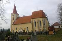Opravený kostel sv. Víta v Kostelní Radouni.
