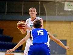 Jan Tomanec zahájil novou prvoligovou sezonu v dresu basketbalistů Lions tak, jak jsou příznivci zvyklí. V duelu proti Hradci Králové se stal se 24 body nejlepším střelcem domácího celku, který Východočechy převálcoval 102:68.