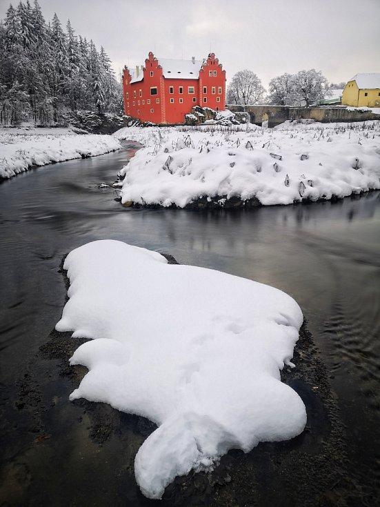 Zasněžená Červená Lhota.