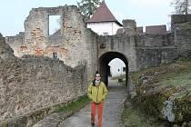 KASTELÁNKA. Eliška Niederová se narodila v Jindřichově Hradci, ale dlouhá léta žije v Nové Bystřici, je vystudovanou učitelkou náboženství a etiky a také historičkou.