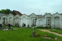 Hřbitov ve Slavonicích. Ilustrační foto.