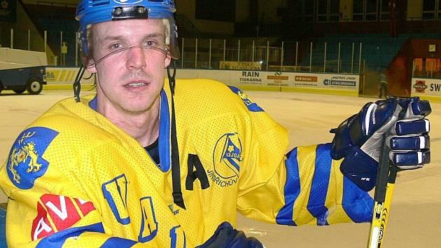 ZODPOVĚDNOST. Forvard Marek Dvořák by měl být jedním z těch, kdo se pokusí Vajgar gólově pozvednout.