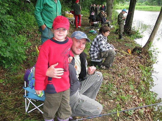 V sobotu pořádalo Myslivecké sdružení Dolní Radouň rybářské závody pro děti.
