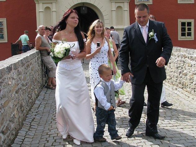 Hana a Marek Novákovi  z Popelína se synem Kubíkem