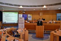 Ocenění bronzovým místem v průzkumu Město pro byznys převzal starosta města Jan Mlčák.