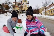 Sněhuláci kostel Chlum u Třeboně