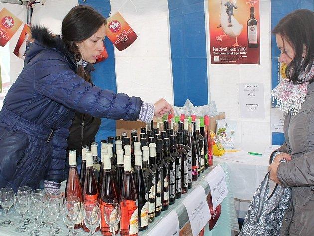 K svatému Martinovi patří i svatomartinské víno.