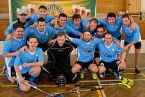 Mužstvo hFb Team Zdešov obhájilo prvenství v Jindřichohradecké florbalové lize.