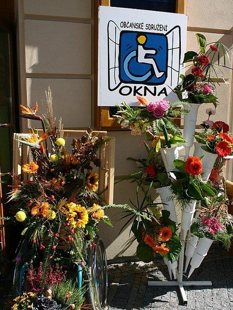 Prodejní přehlídka květinové vazby.