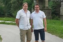 Ve středu 12. srpna se setkali v Jindřichově Hradci první místopředseda českých policejních odborů Milan Synek a předseda slovenských policejních odborů Pavel Paračka.
