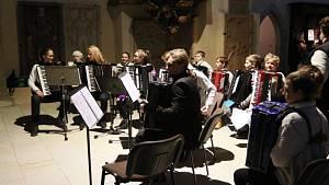Předvánoční akordeonový koncert.