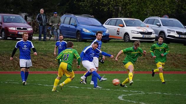 Fotbalisté Nové Bystřice v I. B třídě doma zdolali Třebětice 3:1.