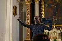 V kostele sv.Jiljí ve Strmilově zahrál světový houslista Pavel Šporcl.