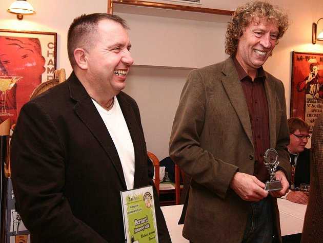 Spolumajitelé rodinného pivovaru Josef Vávra (na snímku zleva) a Stanislav Bernard získali celkem šest ocenění.
