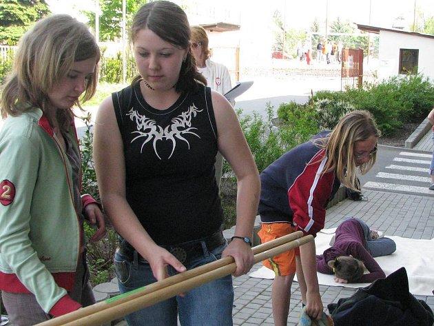 Regionální soutěž hlídek mladých zdravotníků v Jindřichově Hradci.