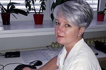 Vrchní sestra dlouhodobé intenzivní ošetřovatelské péče a oddělení následné a rehabilitační péče je v jindřichohradecké nemocnici Miriam Neužilová.