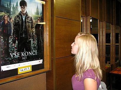 Na poslední potterovský film se těší i studentka Jana Urmanová.