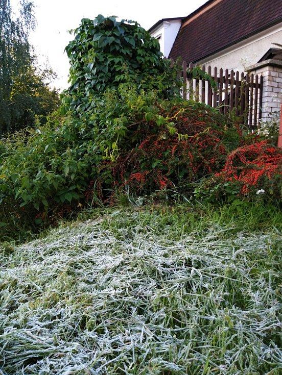 20. září 2019 ráno v Českém Krumlově při zemi mrzlo.