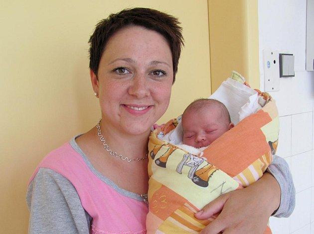 Bára Hochmanová ze Strmilova se narodila 31. května 2011 Lence a Jiřímu Hochmanovým. Měřila 49 centimetrů a vážila 3100 gramů. Doma se na ni těšil bráška Davídek.