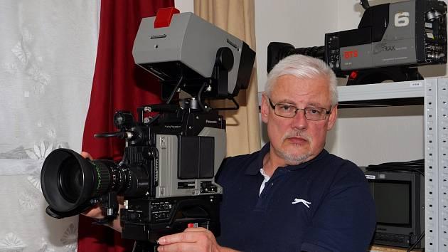 Pátrání v archivu, úpravu filmů či obnovu zvuku. To obnáší práce Karla Slámy (na snímku) a Františka Beneše.