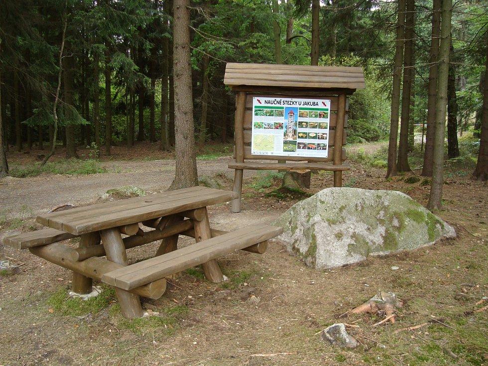 Rozhledna a lesopark U Jakuba poblíž Valtínova.